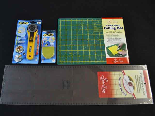 Quilting Mat, Ruler and Cutters